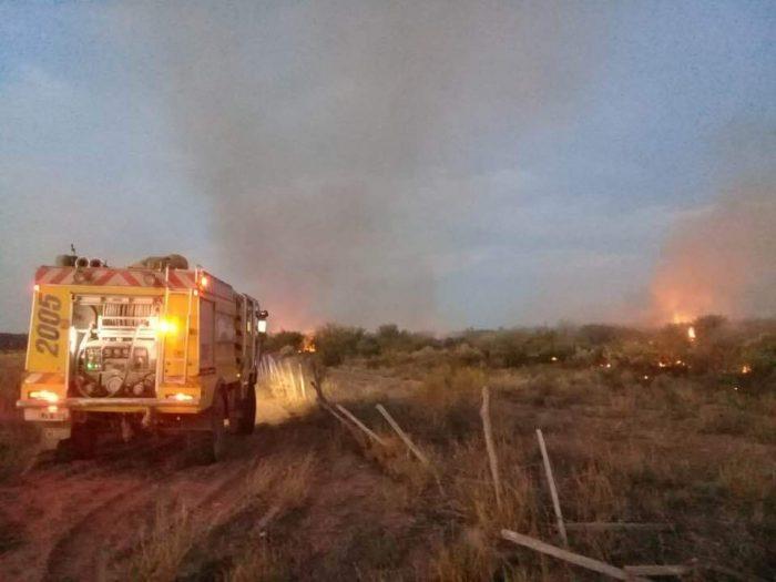 Contienen el incendio de la Ruta 188 en General Alvear