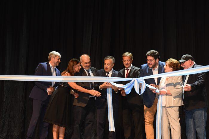 Cornejo y Suarez inauguraron el nuevo Teatro Mendoza