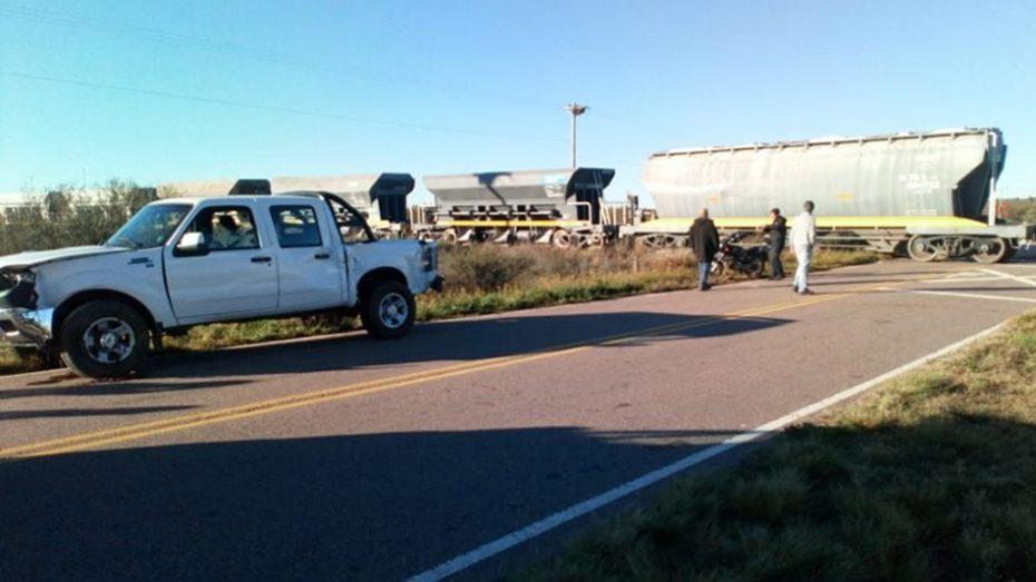 Una camioneta y un tren chocaron cerca de Zanjitas