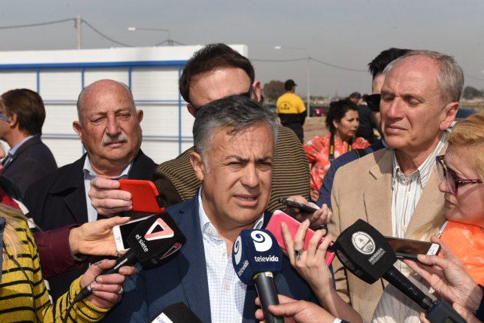 Cornejo activó el parque solar del PASIP y se acordó de Paco Pérez