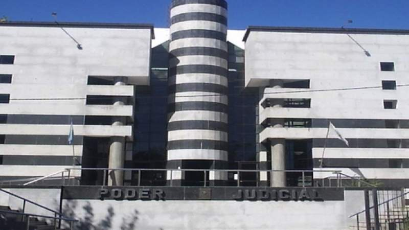 Condenan a un hombre a 14 años de prisión por violar a su nieta