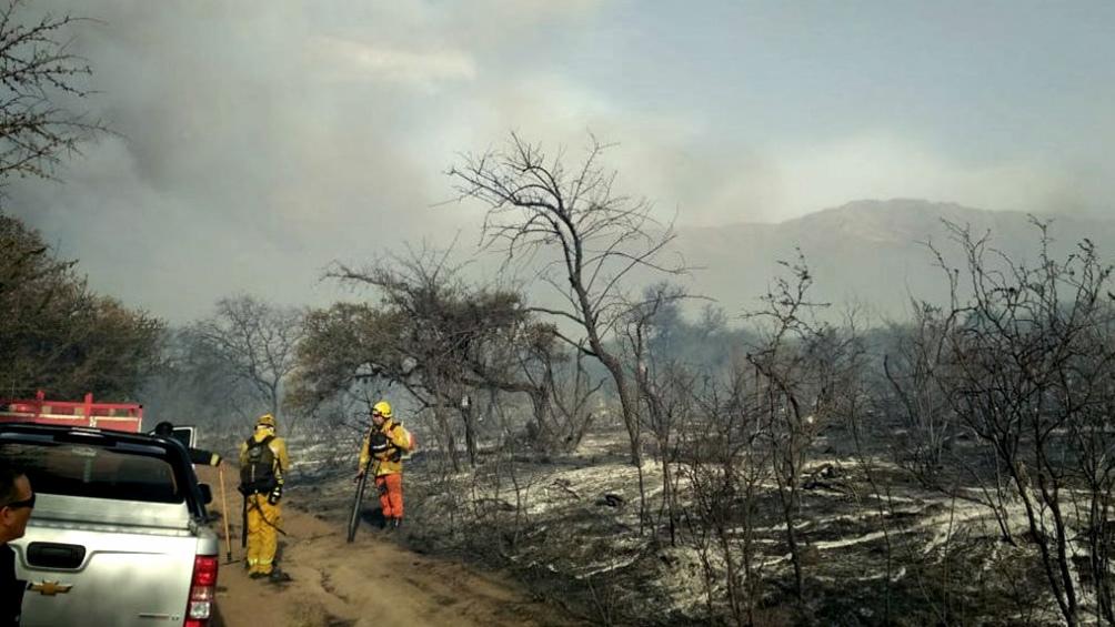 Controlan por ahora los incendios en las sierras de Córdoba