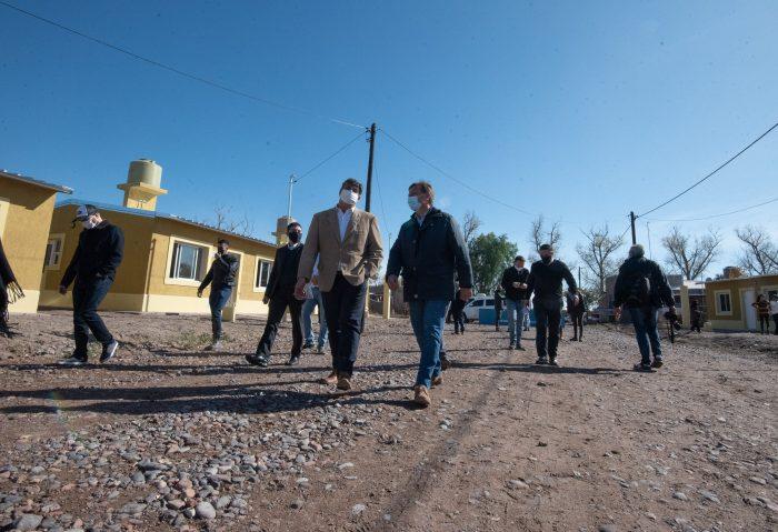 Suarez y Abed entregaron viviendas a familias de Junín