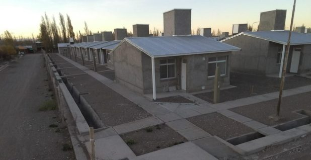Mendoza continúa licitando la construcción de viviendas