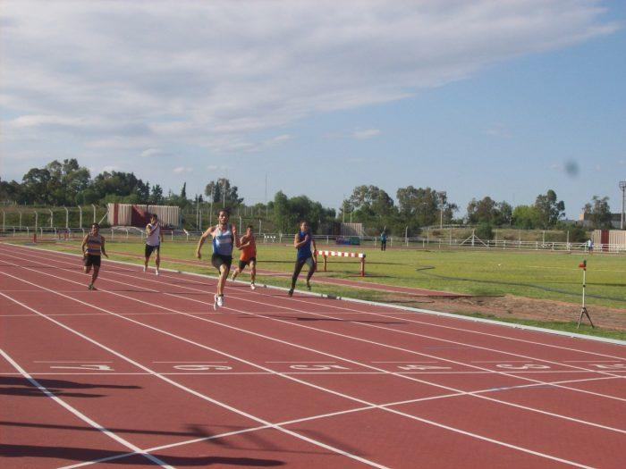 El atletismo vuelve a la actividad competitiva